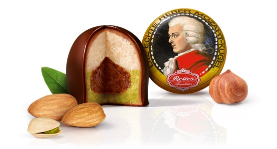 Mozart_Ball_Cross Section_Pistachio