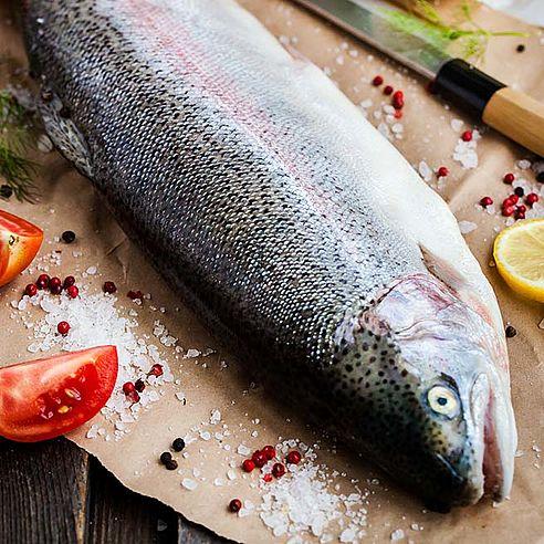 El pescado en la mesa
